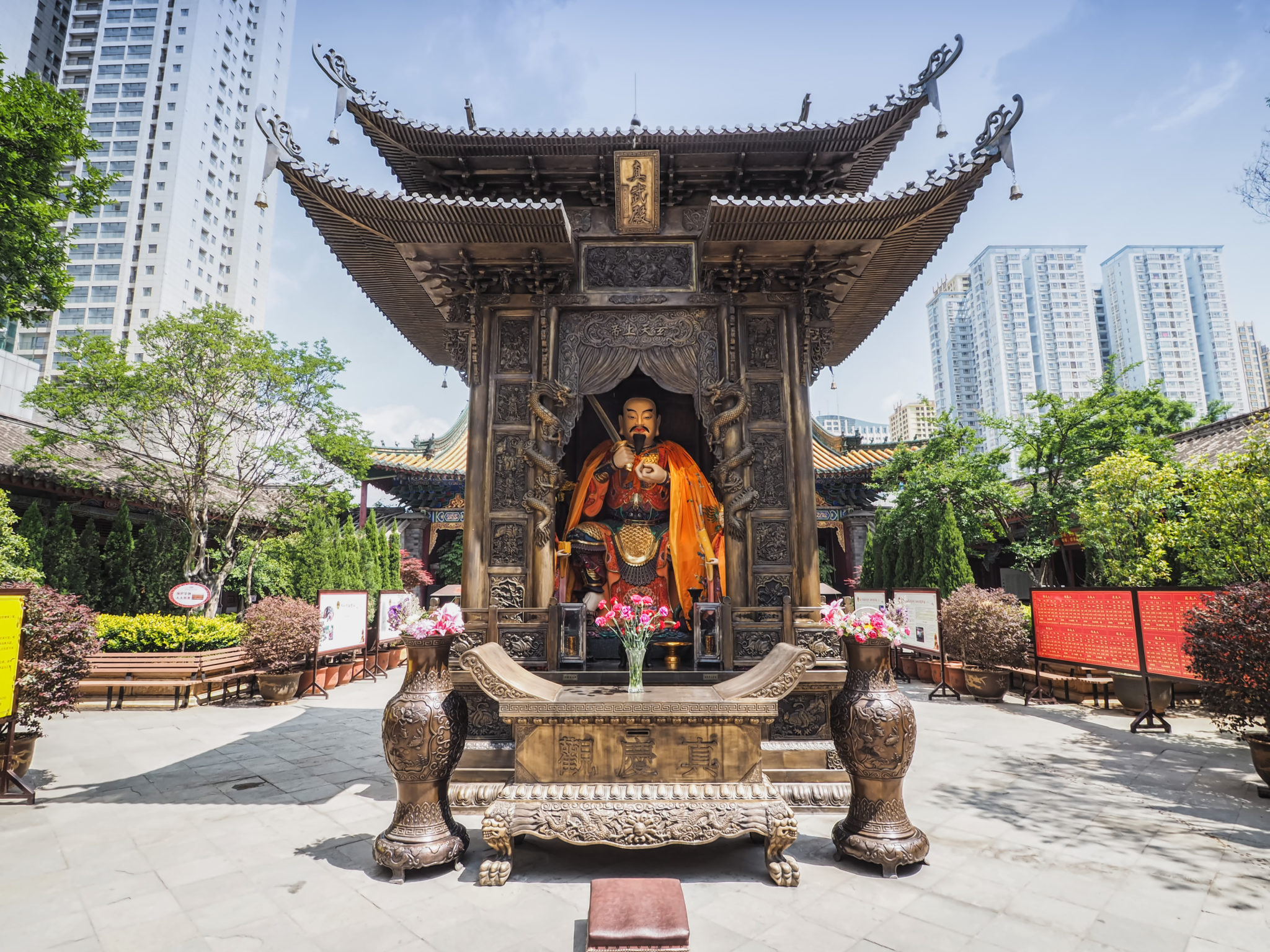 Kunming,/,China,-,May,20,,2018:,The,Monument,,Statue,